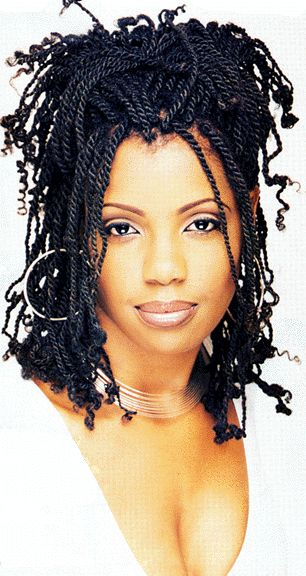 I love how she put her short Senegalese twist braids on her widow's peak, this style was done very professionally.