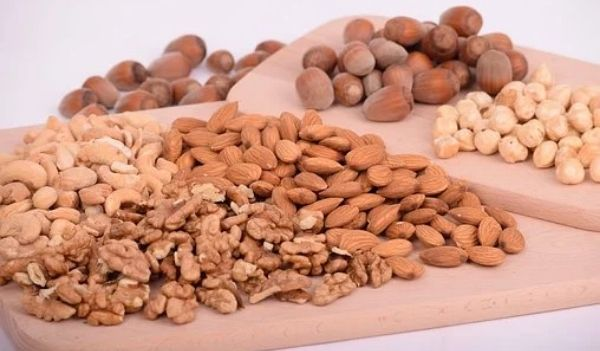 foods for hair growth nuts